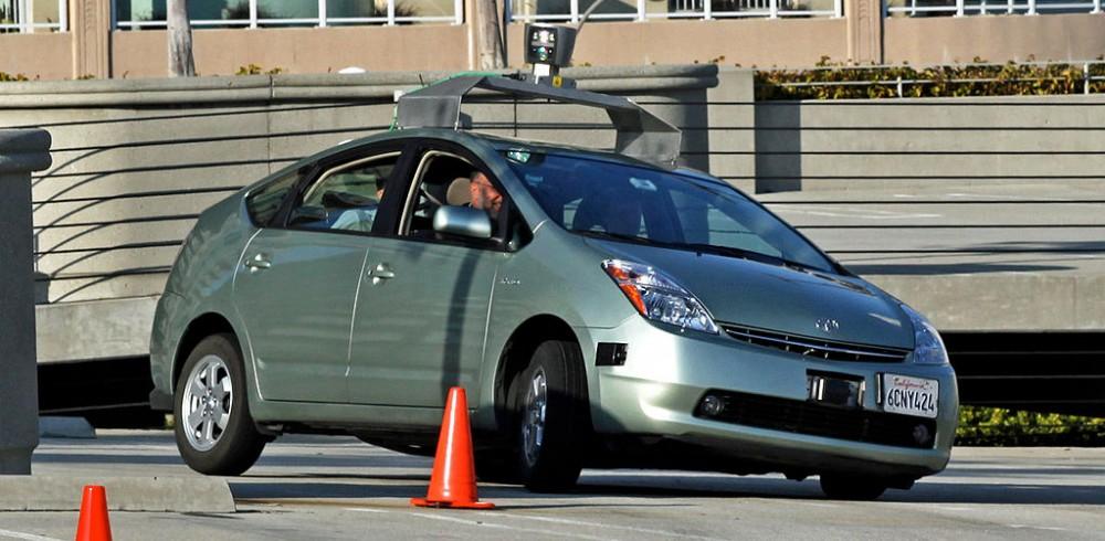 croyez vous en la voiture sans conducteur de google quatre sans quatre. Black Bedroom Furniture Sets. Home Design Ideas